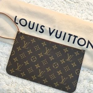 New Louis Vuitton Authentic Neverfull Wristlet